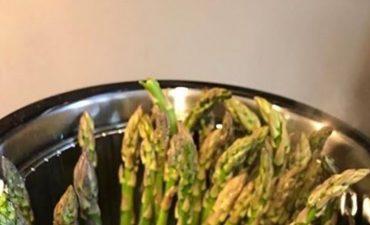 Tagliatelle asparagi e limone. In cucina con Fissler